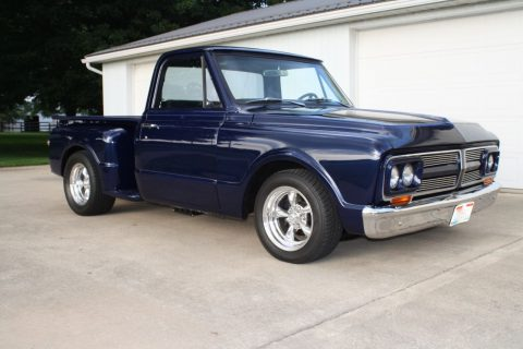 Top 1968 GMC short box step side 1/2 ton pickup for sale