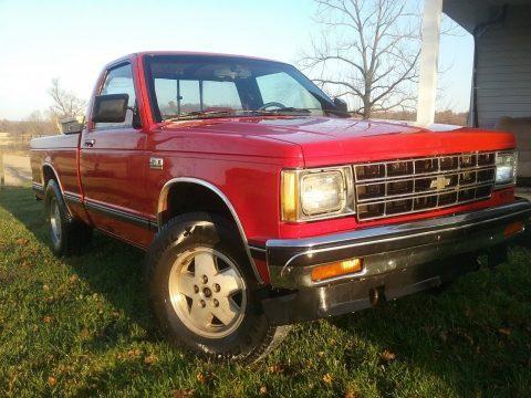 good running work truck 1990 Chevrolet S-10 4×4 for sale