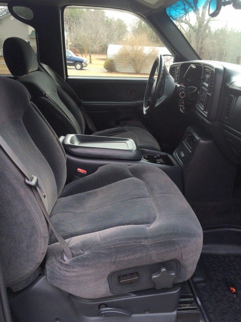 low miles 2002 Chevrolet Silverado 2500 Silverado LS pickup