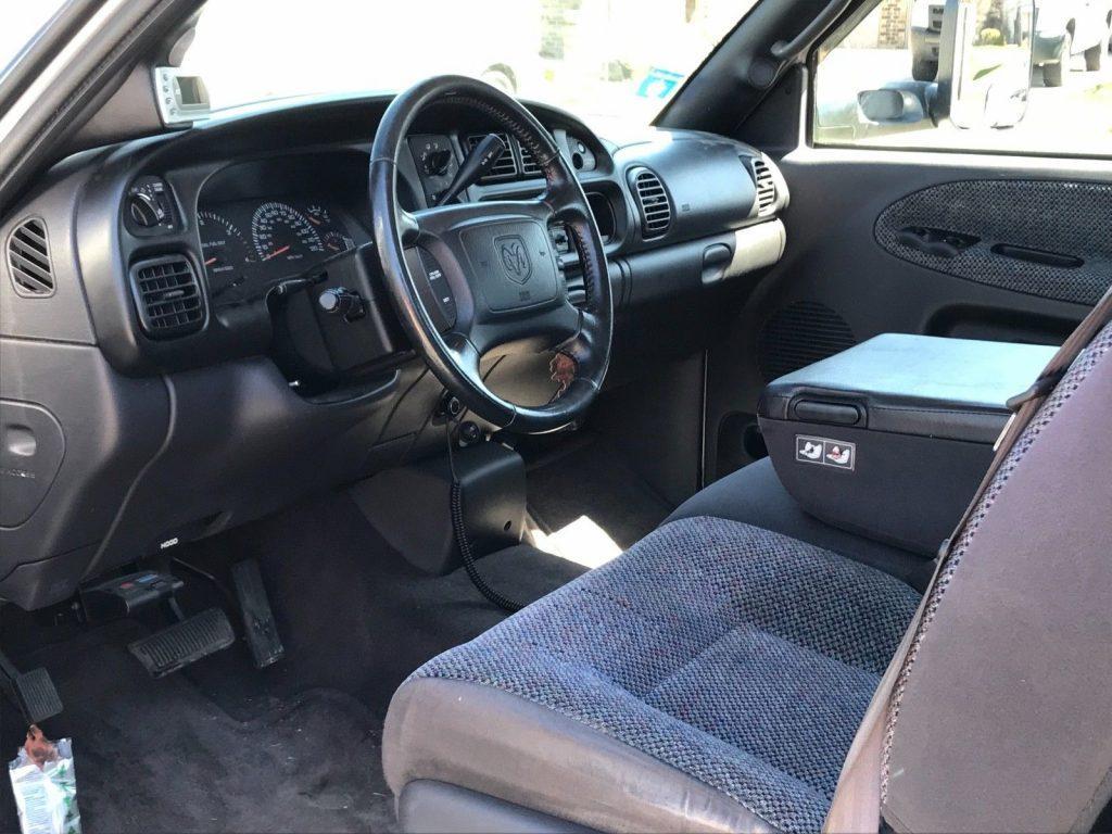 runs and drives great 2002 Dodge Ram 3500 pickup