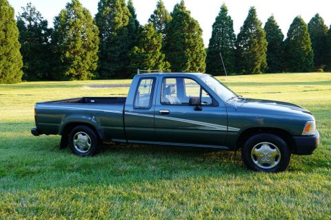 GREAT 1992 Toyota Truck for sale