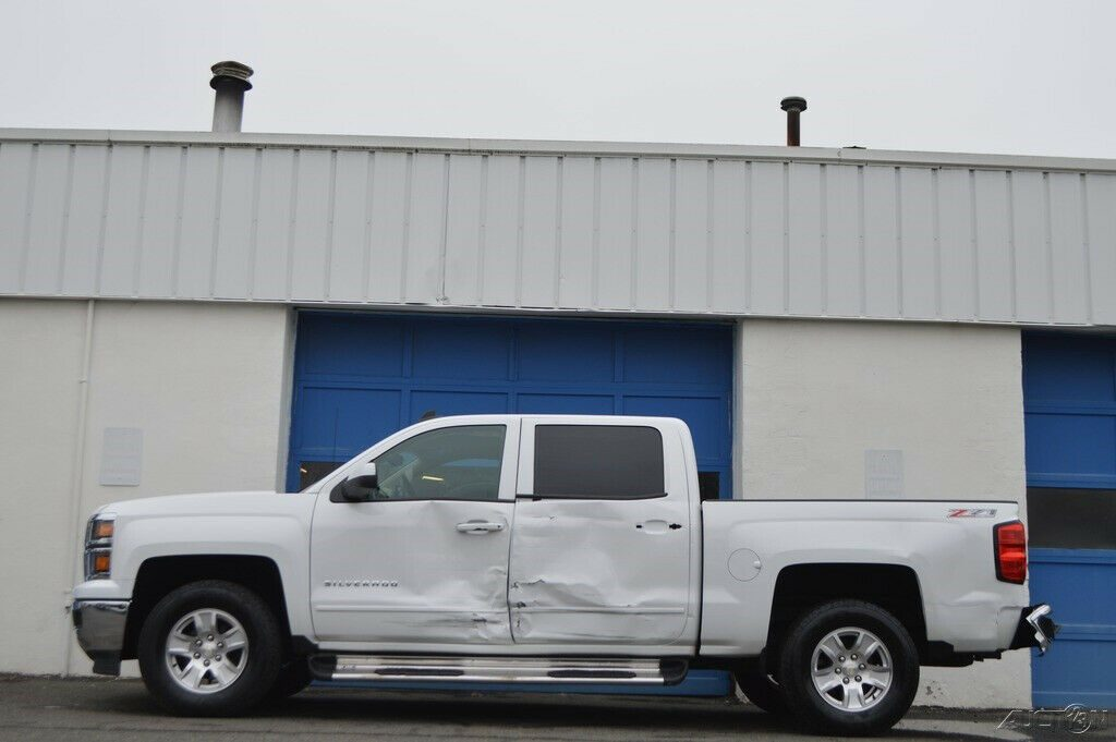 needs repair 2015 Chevrolet Silverado 1500 2LT pickup