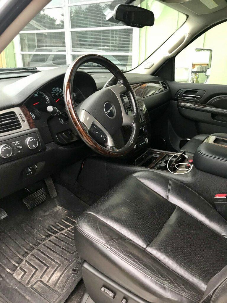 fully loaded 2011 GMC Sierra 2500 Denali 4×4 pickup